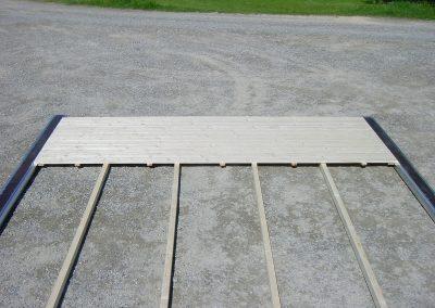 Standardfußboden mit Kantholzunterbau und Alu-Verbindungsschiene