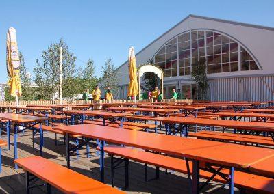 29 m breites Zelt mit Biergarten