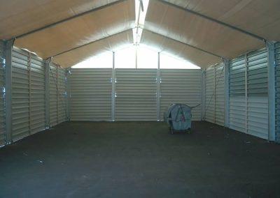 Lagerzelt mit Unterdach zur Vermeidung von Schwitzwasser