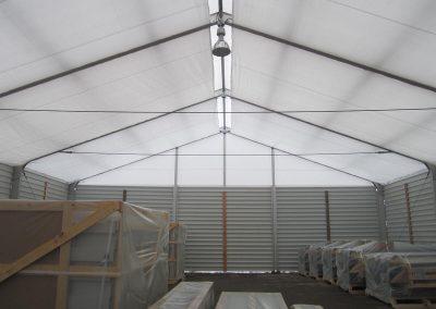16 m breites Lagerzelt mit Unterdachplane, Seitenwände: Trapezblech