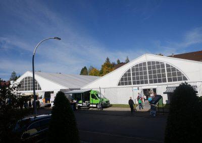 Zelte mit Panoramagiebel für Gewerbeschau