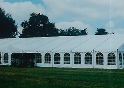 Hochzeitszelt, 15 m breit, 27 m lang mit Fenstervorhänge