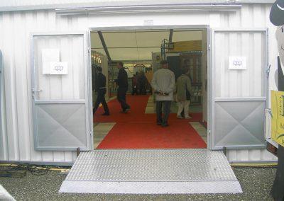Eingangstüre mit Anrampung