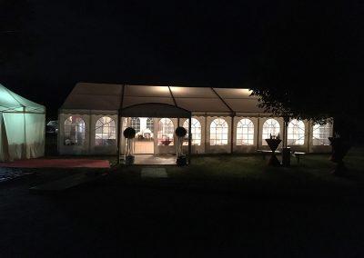 Hochzeitszelt mit Walkway als Eingang