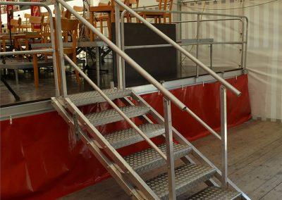 Bühnentreppe mit Geländer