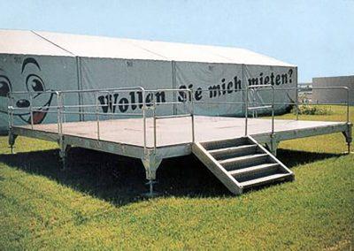 Bühne mit Treppe