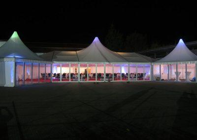 Zelt mit Apsiden, Domfeld und Echtglaswand sowie Pagoden